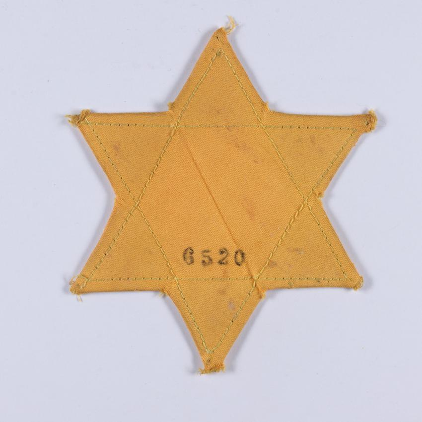 Jewish badge that belonged to Jacques Leon from the city of Thessaloniki (Salonika), Greece.