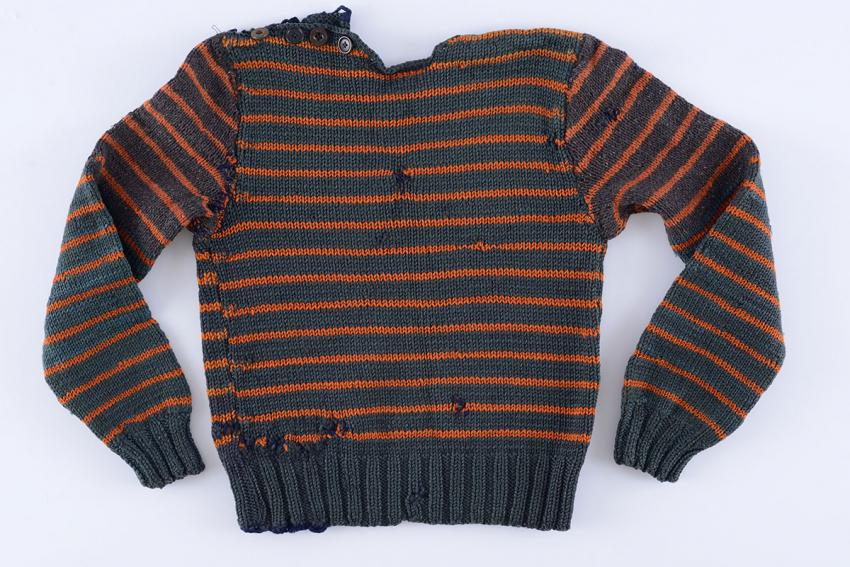 Sweater that the child András Brichta took from the clothing storehouse in Auschwitz-Birkenau after the Germans fled the camp