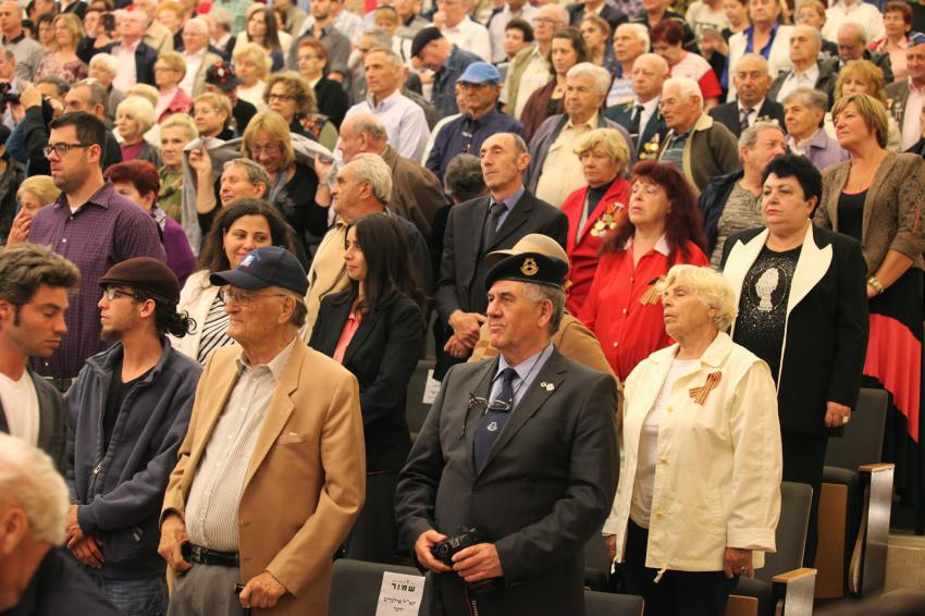 Those in attendance included Jewish WWII veterans of the Allied armies, Jewish partisans, underground fighters, Jewish Brigade members and diplomatic representatives from the Allied countries