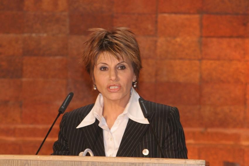 Acting President of the State of Israel Dalia Itzik speaking at the official state ceremony marking Holocaust Martrys' and Heroes' Remembrance Day