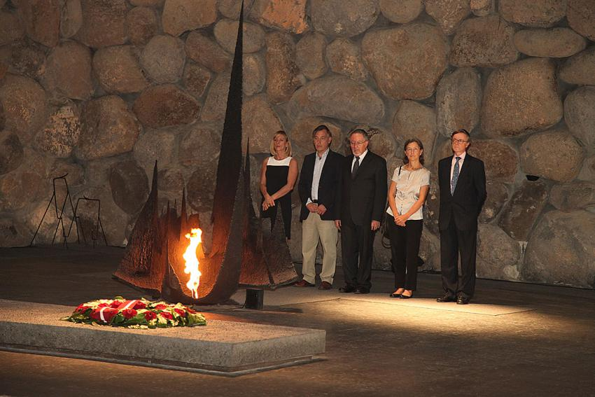 Memorial service in the Hall of Remembrance, 1 November 2012. Left to right - rescuers's grandchildren, survivor and ambassadors of Belgium and Spain
