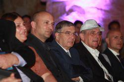 Yad Vashem Director General Dorit Novak, Education Minister Naftali Bennett, Yad Vashem Chairman Avner Shalev and Chairman of the American Society for Yad Vashem Leonard Wilf