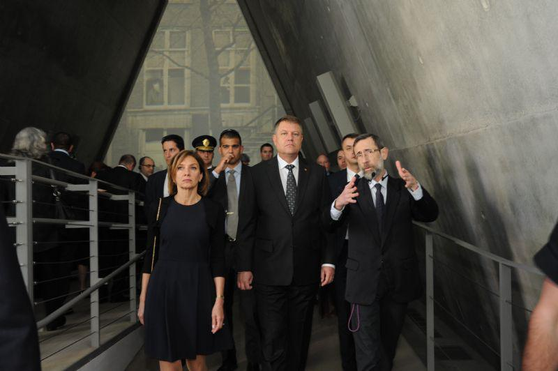 President Iohannis and his wife Carmen were guided through the Holocaust History Museum by Director of Yad Vashem's Hall of Names Dr. Alexander Avram (right).