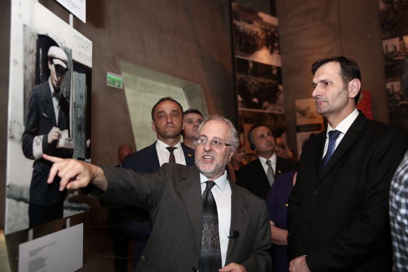 Dr. Robert Rozett (left) guided the Minister through the Holocaust History Museum, which contains over 100 video testimonies and thousands of photographs and artifacts from the Holocaust period