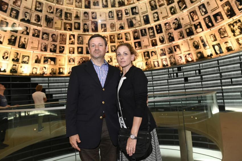 Marlee Matlin together with Jay Ruderman, President of the Ruderman Family Foundation in the Hall of Names, Yad Vashem