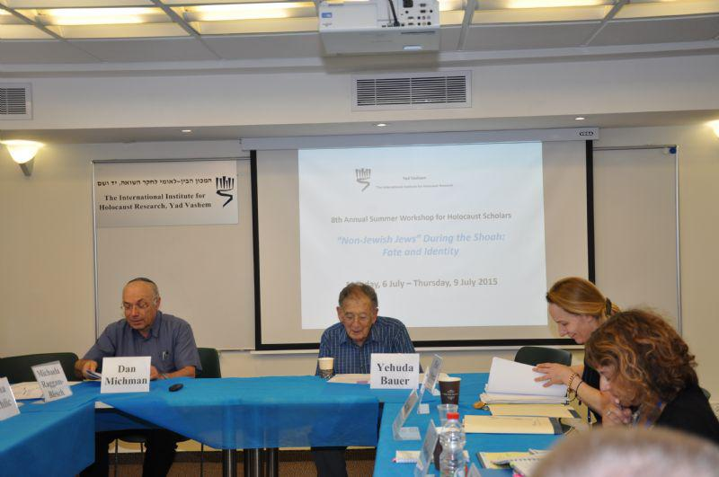 Prof. Dan Michman, Head of the International Institute for Holocaust Research (left) and Prof. Yehuda Bauer, Yad Vashem Academic Advisor (center) at the workshop