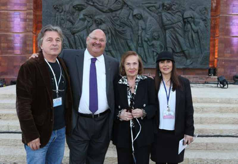 Friends of Yad Vashem at the 2014 Holocaust Martyrs' and Heroes' Remembrance Day Events