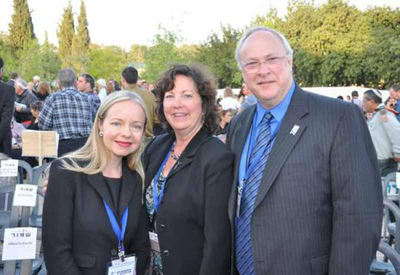 Friends of Yad Vashem at the 2013 Holocaust Martyrs' and Heroes' Remembrance Day Events