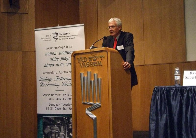 """Prof. Bob Moore, University of Sheffield, presenting his lecture, """"Structures of Rescue: key Determinants in the Survival of Jews in Western Europe During the Holocaust"""""""