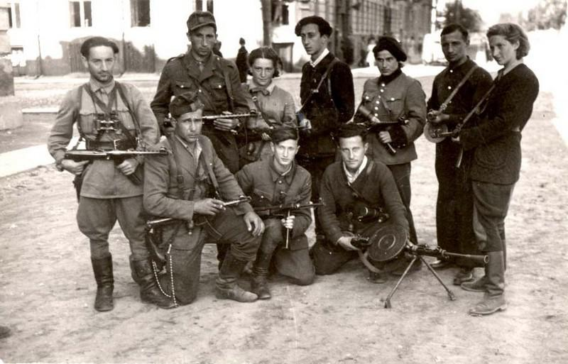 Jewish partisans from Vilna return to the city following Liberation. Back row, far right: Vitka Kempner Kovner. Back row, forth from the left: Abba Kovner