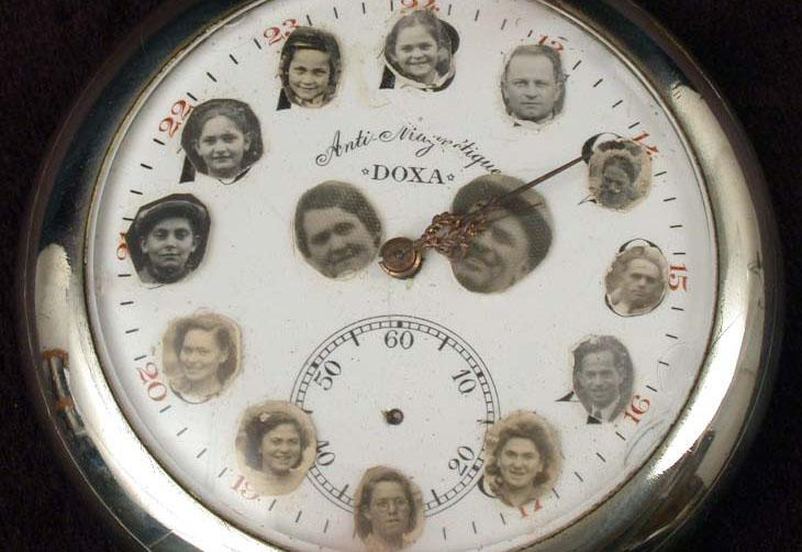 Pocket watch on which Yeshayahu Markowitz from Transylvania, pasted the photographs of his children