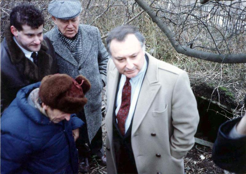 The visit of the Zeiger family at the Sukhinski farm - Sukhinski in a fur hat (with permission of Baruch Adler)