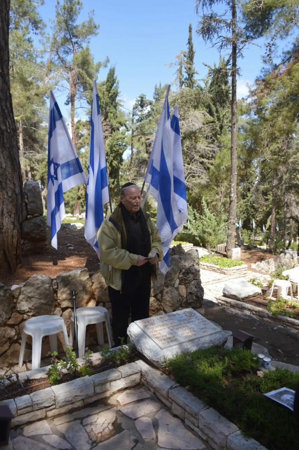 An emotional memorial ceremony held at the grave of Moshe Willinger