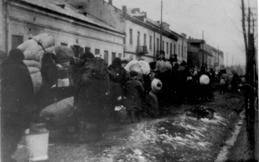 Jews from Gora Kalwaria, Poland, who were deported to the Warsaw Ghetto, February 1941