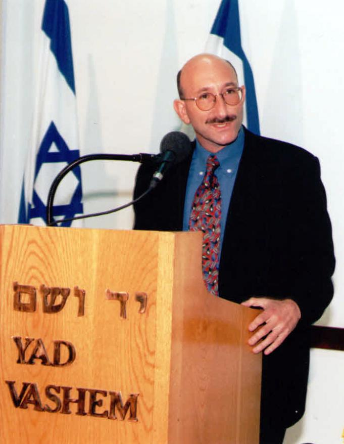 Professor Cesarani addressing the public at the  inauguration of the Oppenheim Chair, 1998