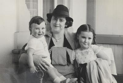 Jeanette Schocken with her grandchildren Miriam and Yosef