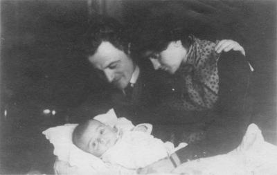 Dr. Emanuel Ringelblum, his wife Yehudit and their son Uri