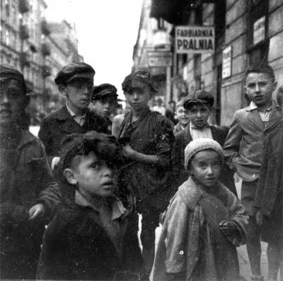 Youngsters in the Warsaw ghetto, September 1941