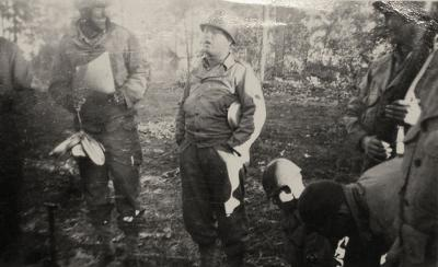 Master Sgt Roddie W. Edmonds in the battle field with his men