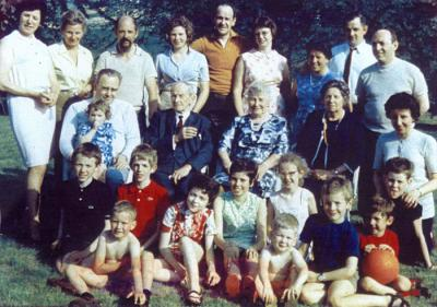 The Arnoldy Family with their children and granchildren