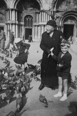 Grandmother Giulia (Anna's mother) with her grandchildren Saul and Miriam, Piazza San Marco, 1935