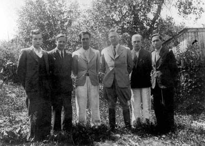 Hermann Graebe with the staff of the Jung works in Zdolbunov