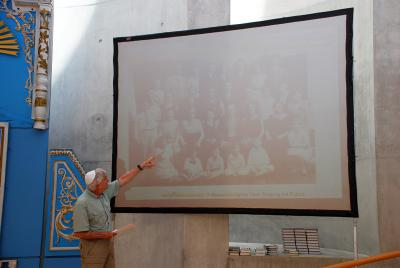 Lew Priven speaks about the family discovery during Jalen Schlosberg's twinning Bar Mitzvah ceremony at the Synagogue in Yad Vashem Jerusalem