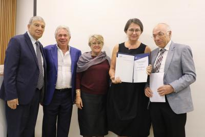 Yad Vashem Chairman Avner Shalev with Brian and Lee Joffe, prize donors, prize winner Joanna Tokarska-Bakir, and Prof. Dan Michman