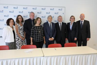 Pictured from Left to Right: Richelle Bud-Caplan Director of the European Department, Yad Vashem's International School, Debbie Hartman German Desk, Yad Vashem's International School, Saarland's Minister of Education Ulrich Commerçon, Gila Nagar, Deputy D