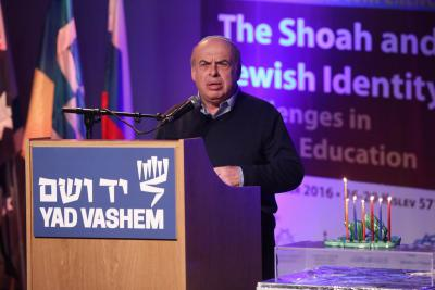 Natan Sharansky implored Jews around the world to keep Israel and their faith close to their hearts