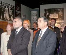 Croatian President Stipe Mesic (left) together with Avner Shalev, Chairman of the Yad Vashem Directorate, studying an exhibit in the Historical Museum