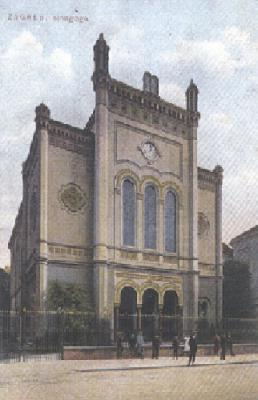 The front of the synagogue on Praska Street