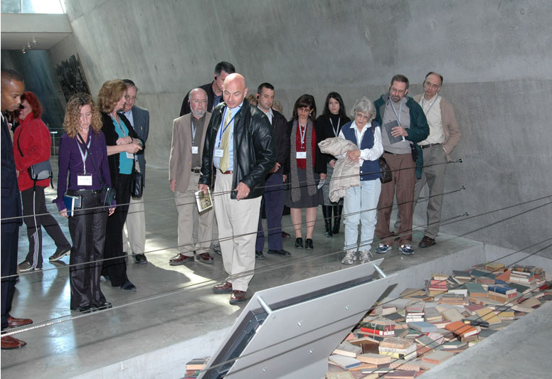 Tours and Seminars at Yad Vashem