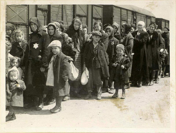 Photo essay of the holocaust