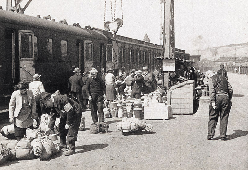W  252 rzburg During the HolocaustJewish Deportation During The Holocaust