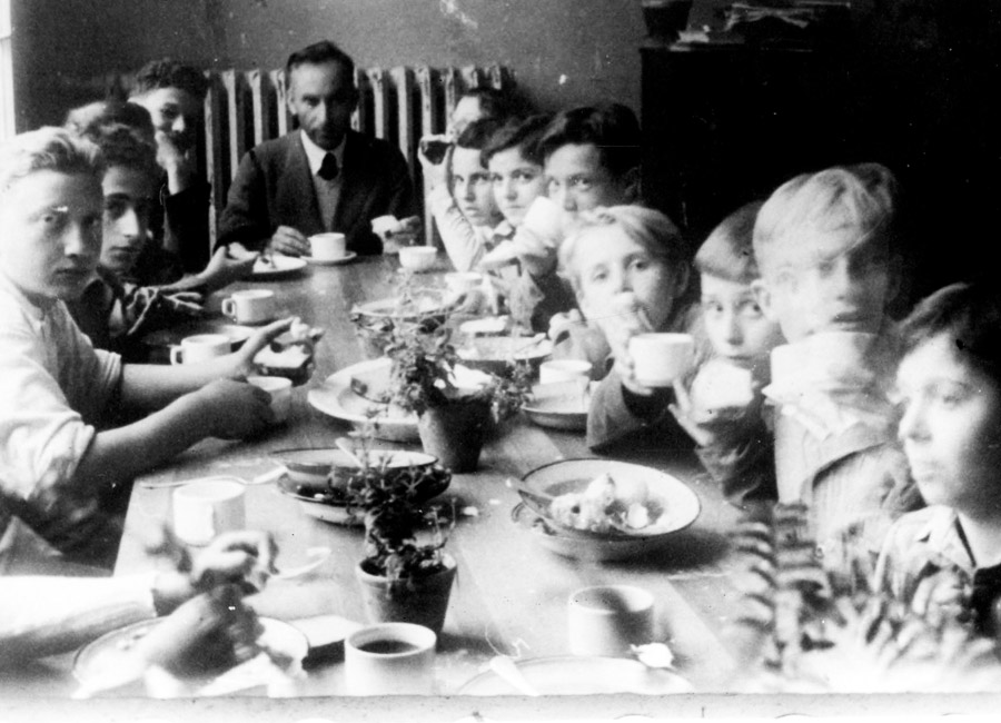 A meal in the children's home in Otwock, 1947