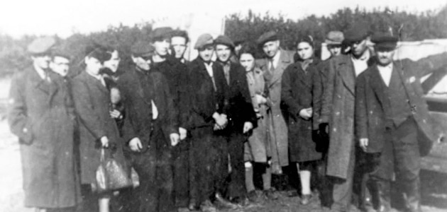 The postwar burial of Holocaust victims from Piotrków Trybunalski who were murdered in Rakow. The victims were finally laid to rest in Piotrków Trybunalski
