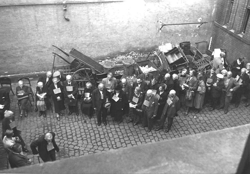 The Jews of Wiesbaden from Kristallnacht until the Annihilation of ...