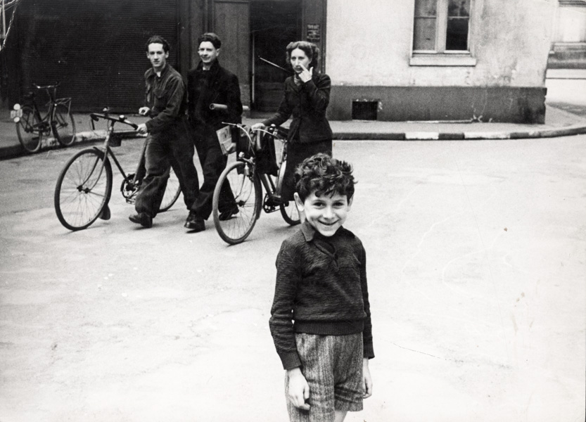 Paris, France, people in the Jewish quarter, May 1941